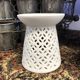 White Lattice Ceramic Oil Burner