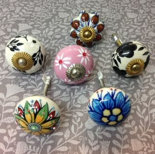 Knob set of 6 x Patterned knobs