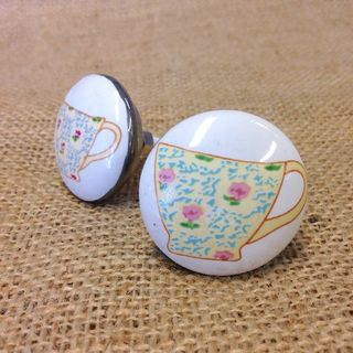 Knob Naive Painted Teacup