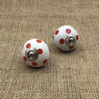 Knob Nova Polka Dot White & Red