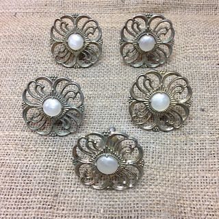 VINTAGE Metal flower knobs x 5