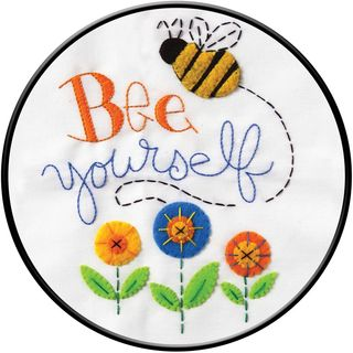 Stamped Embroidery Kit, Bee Yourself 20cm