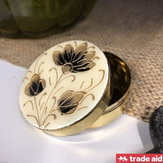 TRADE AID: Floral Pillbox