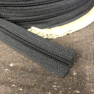 CONTINUOUS ZIPPER 4.5MM