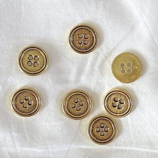 Button Gold 4-Hole 14mm