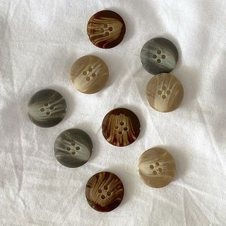 Button 4-Hole 18mm