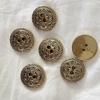 Button Gold 2-Hole 22mm