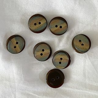 Button Brown 2-Hole 15mm
