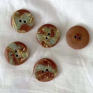 Button Brown 2-Hole 23mm