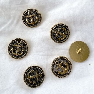 Button Black/Gold Shanked 19mm