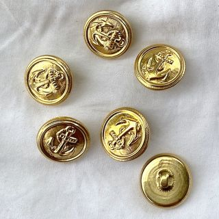 Button Gold Shanked 18mm