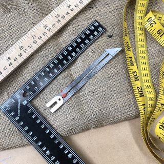MEASURING TAPES & RULERS