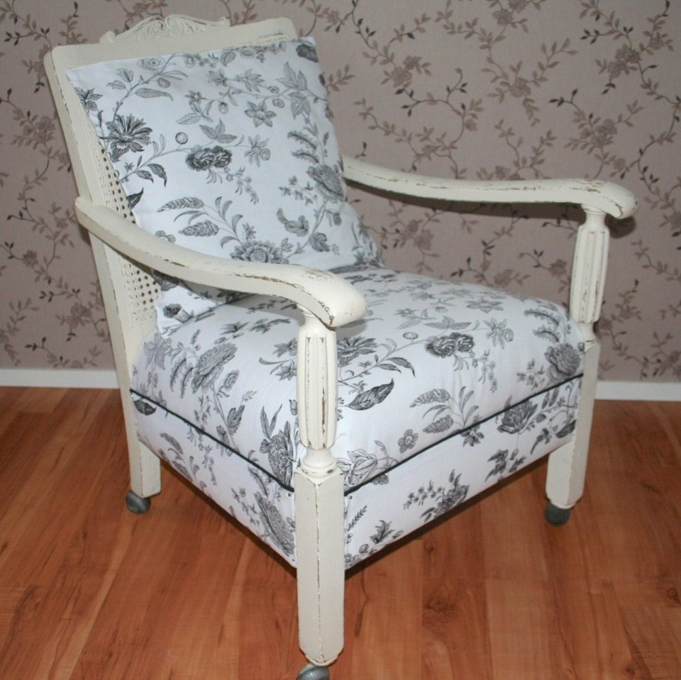 Painting and Upholstering a Chair