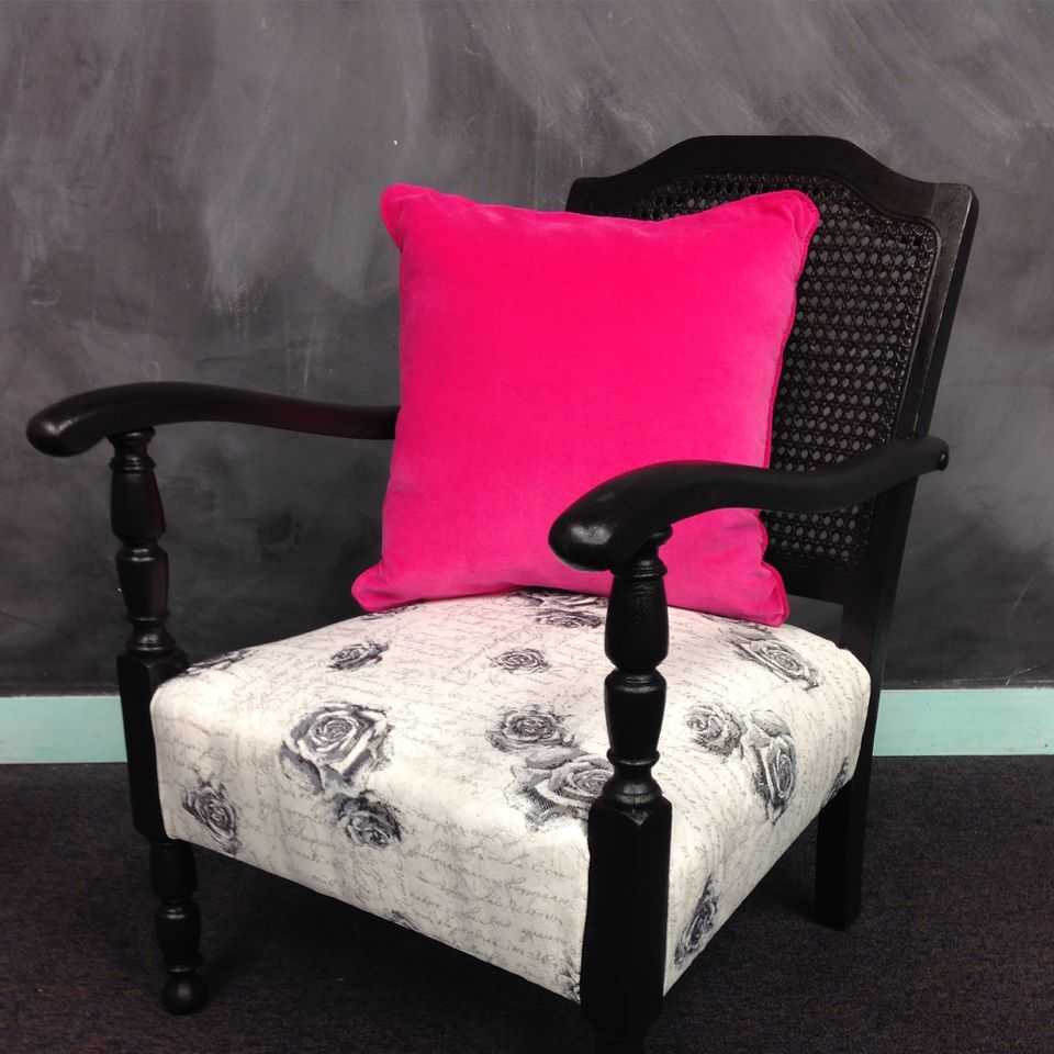 Learn to reupholster your own armchair. Fun weekend workshops to learn upholstery techniques. Book today